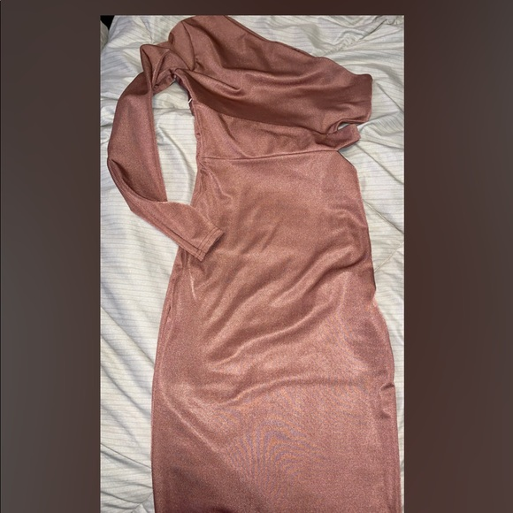 Missguided Dresses & Skirts - Rose Gold- one sleeve Dress